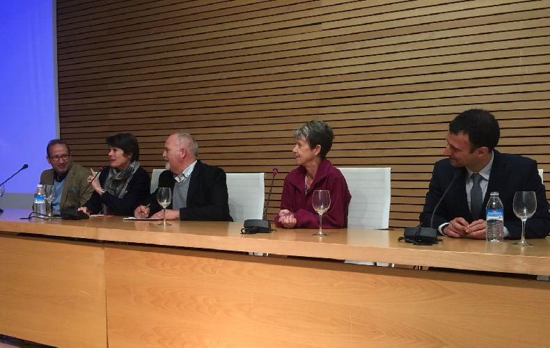 De izquierda a derecha: Los ponentes Khalid Akdi, Ulrike Sapiro (junto al traductor), Freda Molamphy e Ignacio Antequera.